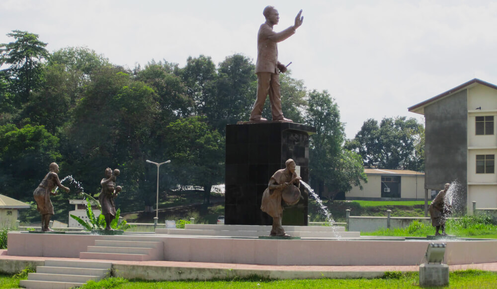 Campus view Kwame Nkrumah Statue